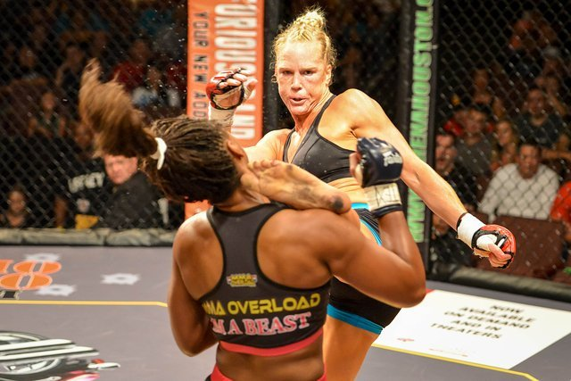 Holly HOlm UFC 196