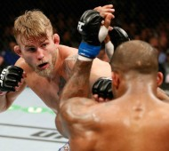 Alexander Gustafsson in his main event tilt against Jimi Manuwa.