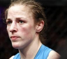Ronda Rousey vs Sarah Kaufman