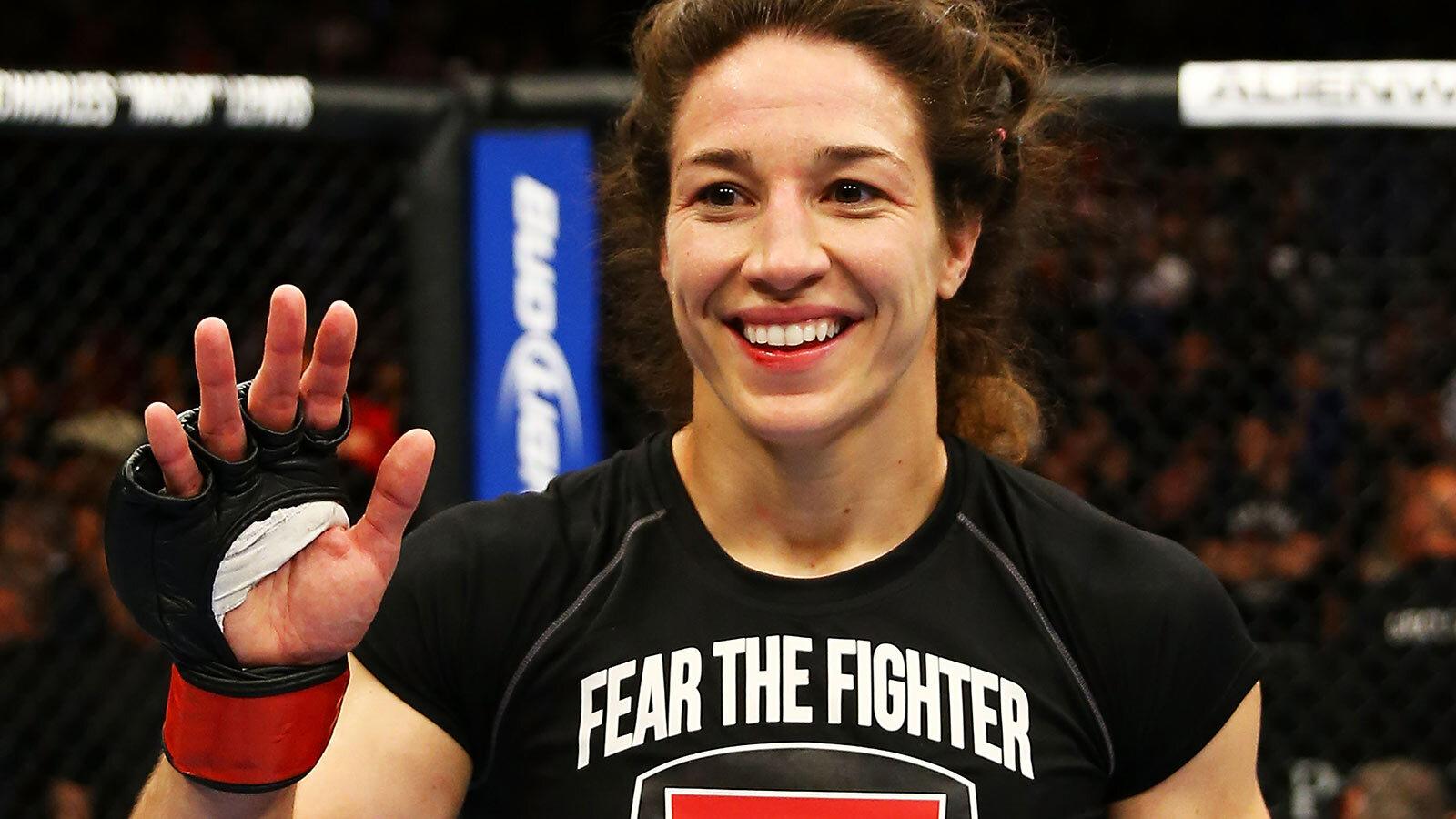 UFC Fight Night 47 results, photos: Sara McMann outwrestles Lauren ...