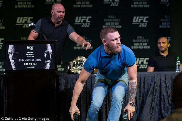Conor-McGregor-UFC-202-Press-Conference